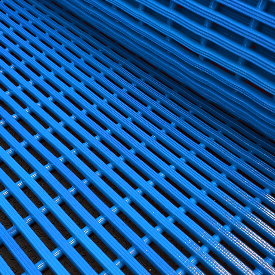 MATTRIX Pool Matting Roll Blue 1000mm Wide x 12mm
